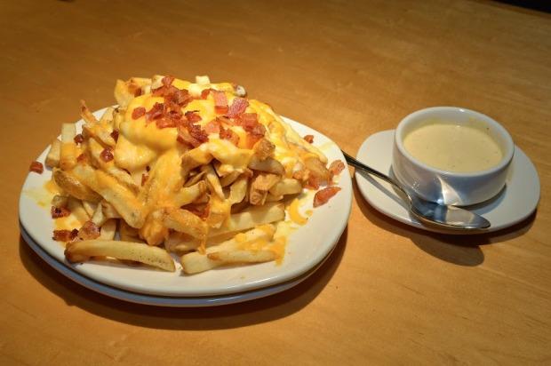Aussie Cheese Fries (2)