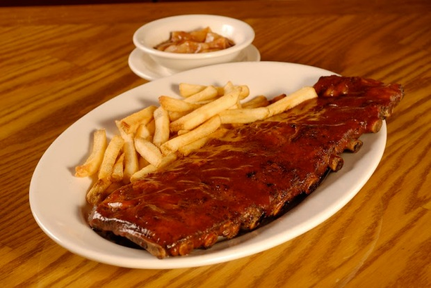 Ribs On The Barbie (3)